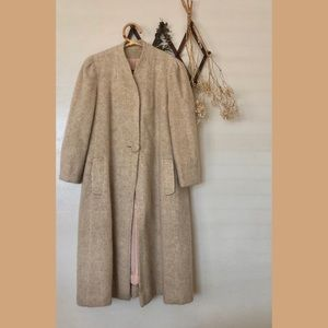 ❀VTG Stunning Beige Mohair Coat Size M/L